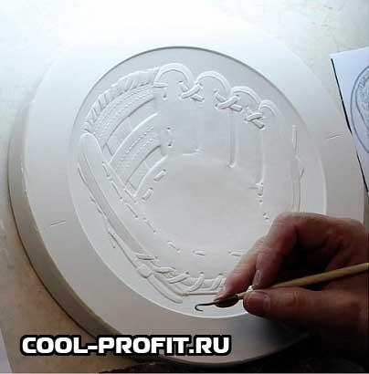 подпись на изогнутой монете США cool-profit.ru