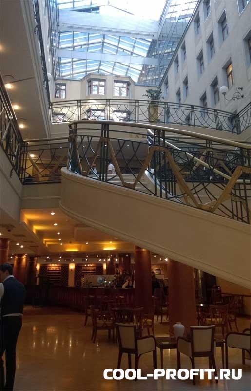Холл. III ежегодная конференция Instaforex. cool-profit.ru